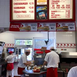 in and out burger reviews